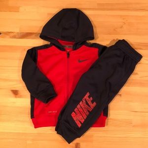 Nike Infant Fleece-Lined Tracksuit